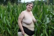 Free porn pics of Granny BBW in the cornfield.  1 of 198 pics