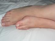 Free porn pics of feet play 1 of 17 pics
