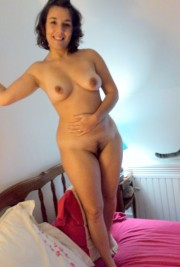 Free porn pics of French amateur bbw brunette dildoing her pussy  1 of 7 pics
