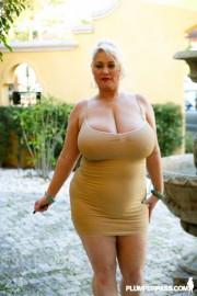 Free porn pics of Sexy Big Tits Samantha Goes Black 1 of 40 pics