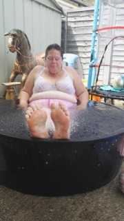 Free porn pics of wifes feet in paddling pool i love summer 1 of 10 pics